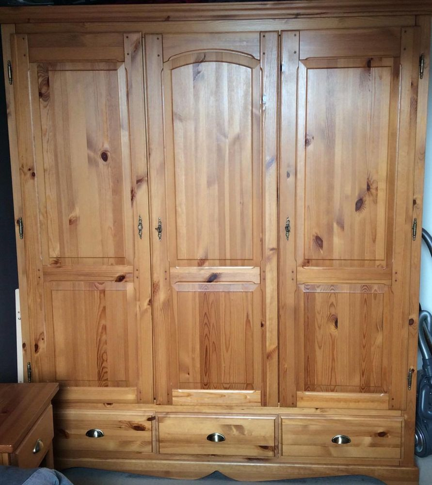 Armoire pin 130 Lille (59)