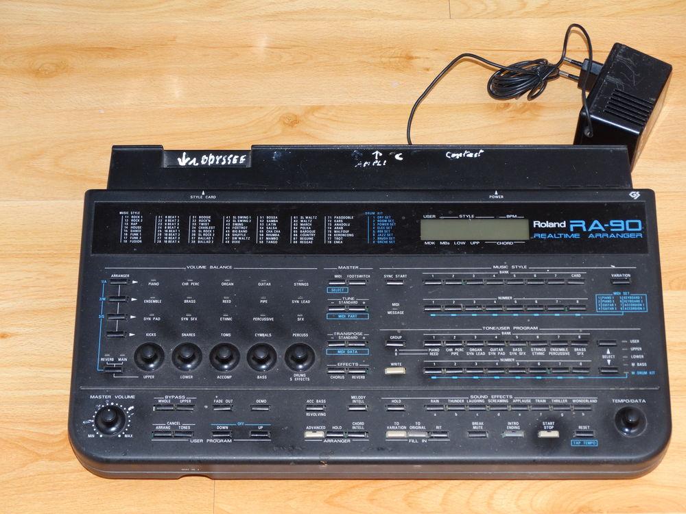 Arrangeur Roland RA-90 180 Esbly (77)