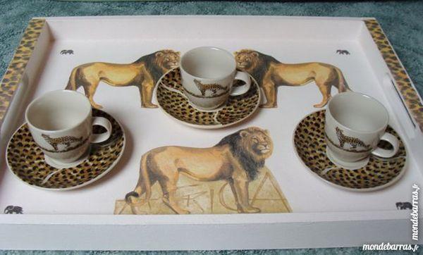 Artisanat: Plateau bois décoré main + tasses- NEUF Décoration