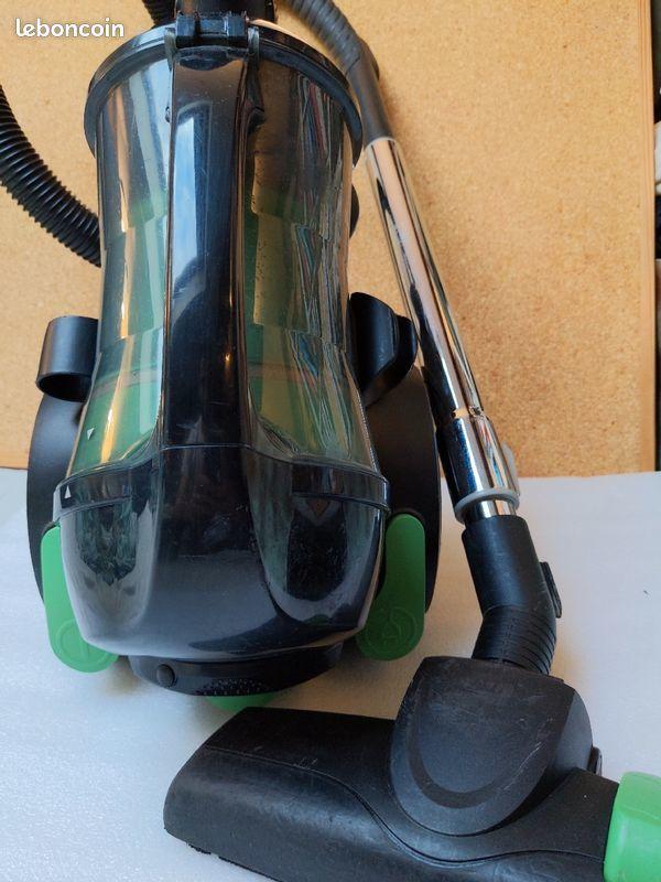 Aspirateur sans sac 1400 watts Electroménager