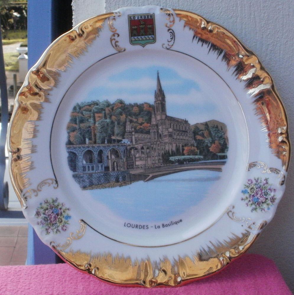 Assiette déco BASILIQUE de LOURDES porcelaine Chwarzenbach 12 Montauban (82)