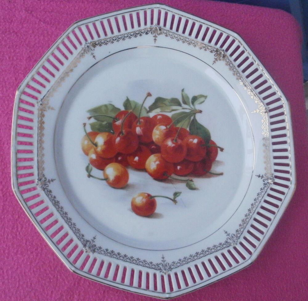 Assiette porcelaine ajourée SCHUMANN motif cerises 9 Montauban (82)