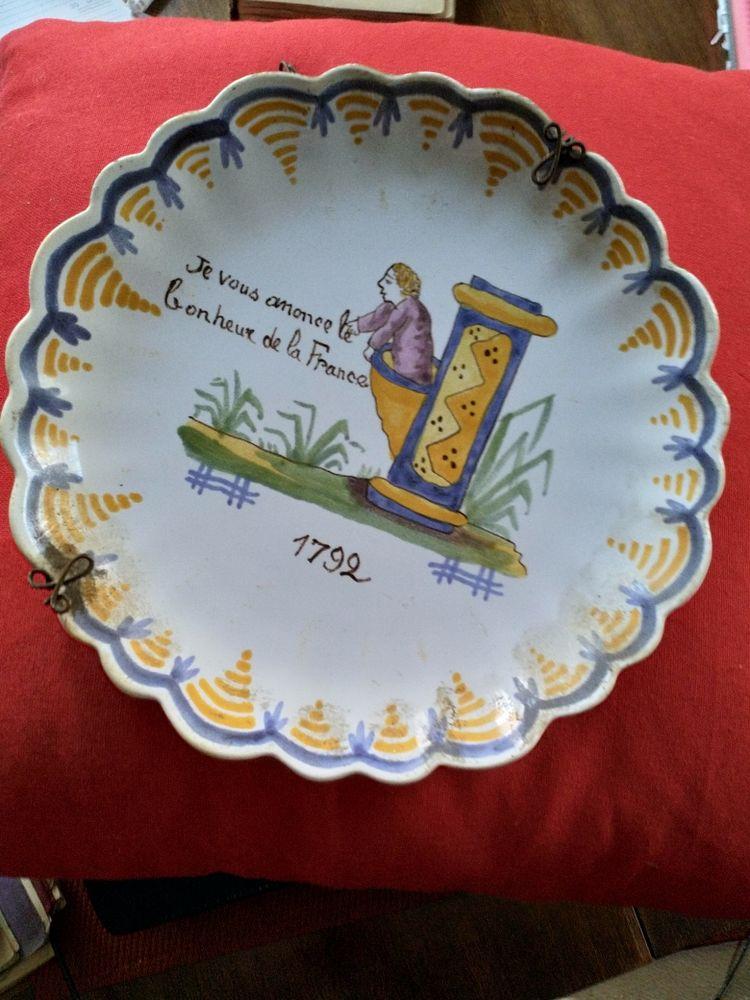 Assiette  Quimper révolutionnaire HENRIOT 1930 47 Chartres (28)