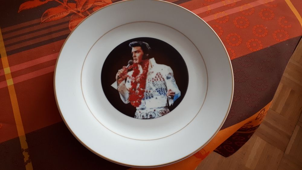 Assiette rare ELVIS PRESLEY - Aloha from Hawaï - 1973 30 Villemomble (93)