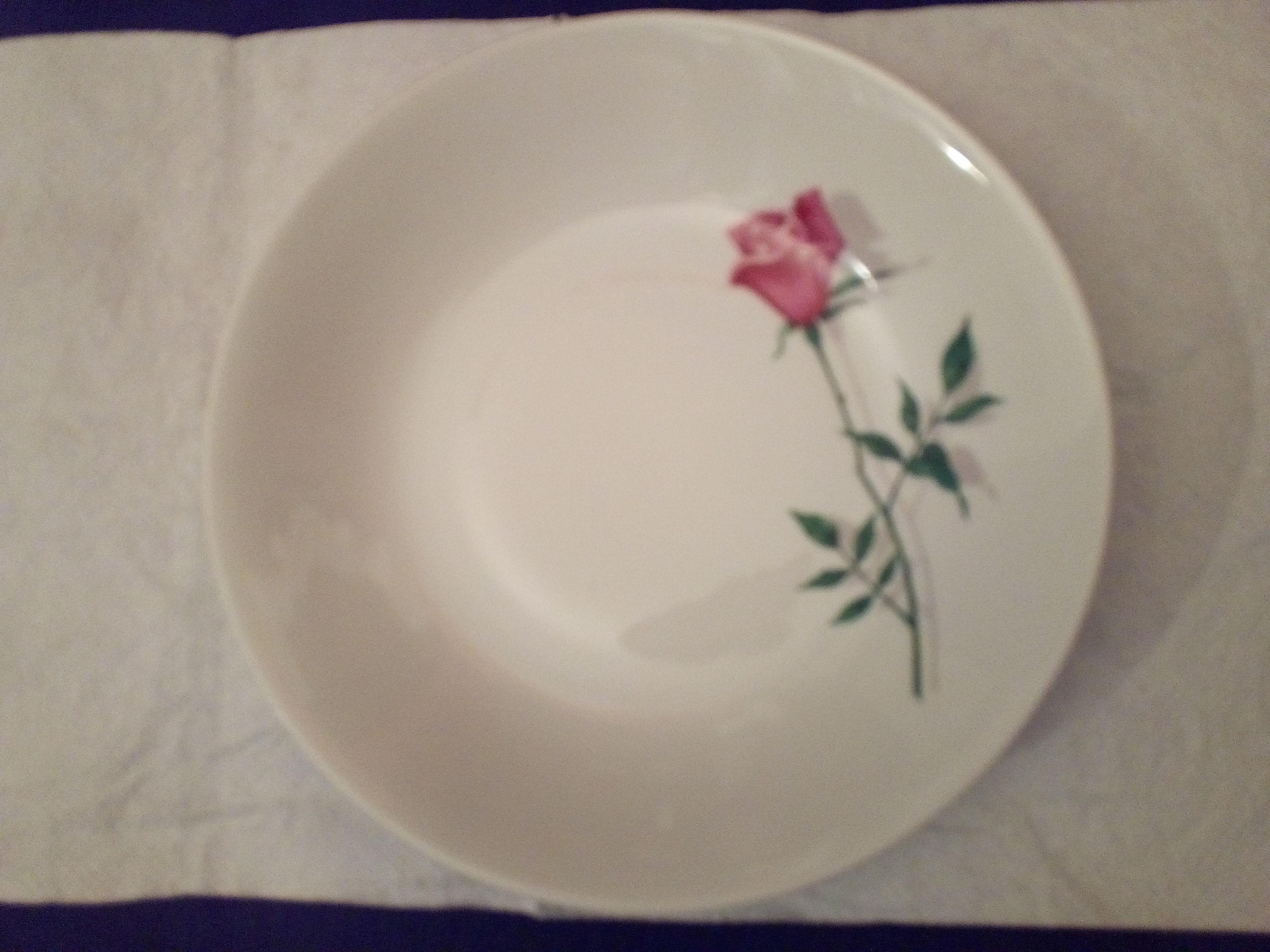 assiette ronde et creuse en porcelaine de Bavière  5 Savigny-sur-Orge (91)
