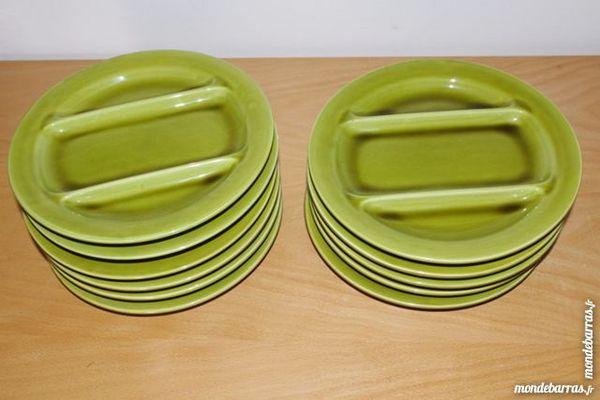 Lot de 11 assiettes pro ceram à 3 compartiments 15 Jonquières (84)