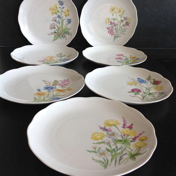7 assiettes décor peint à la main Cuisine