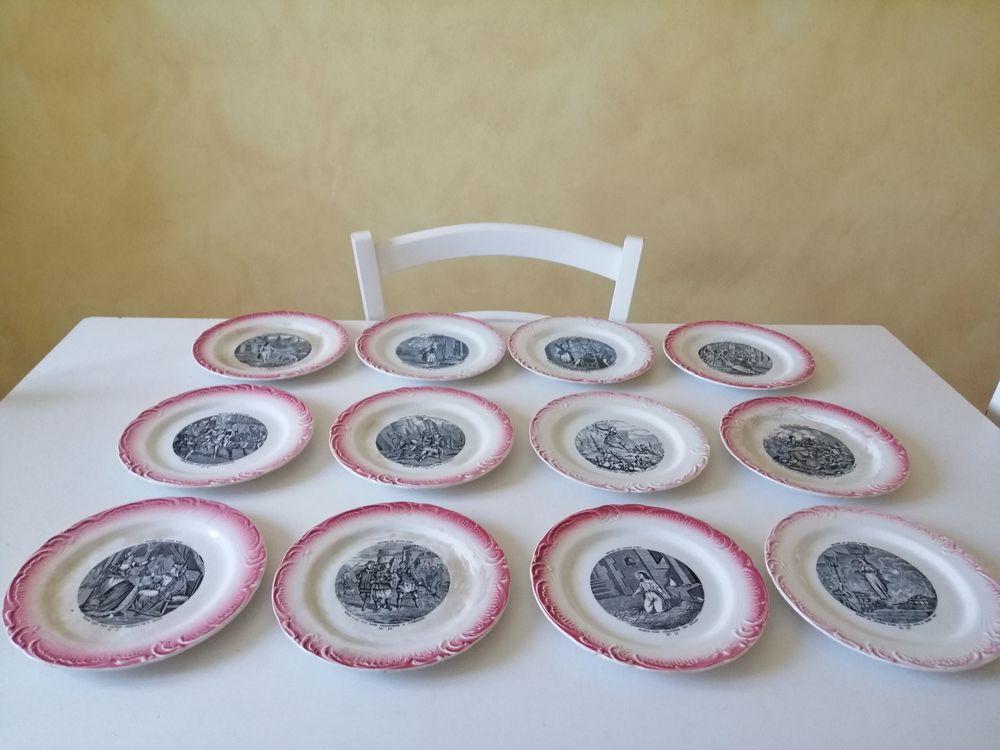 12 assiettes a dessert anciennes jeanne d'arc 0 Monteux (84)