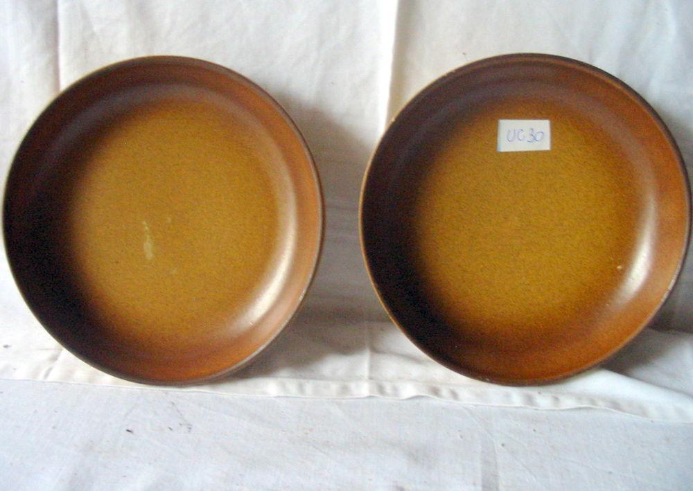 2 assiettes en grès Réf: Uc30 2 Pantin (93)