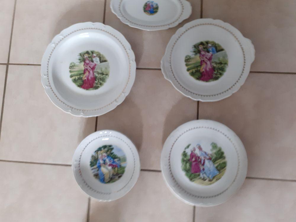 lot d'assiettes porcelaine 50 Meyzieu (69)