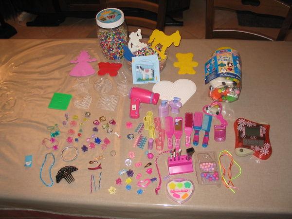 Assortiment pour poupées, perles à coller... 20 Septèmes-les-Vallons (13)