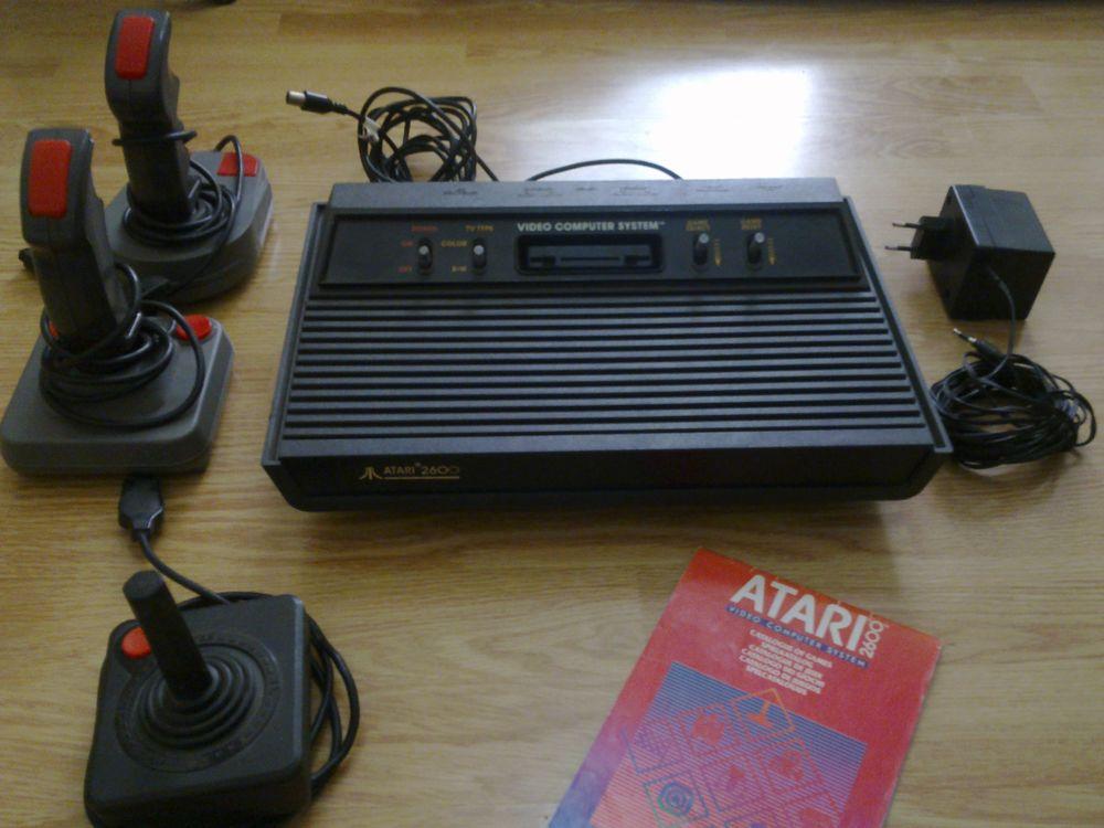 Lot Atari 2600 + 9 jeux Consoles et jeux vidéos