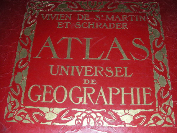 ATLAS UNIVERSEL DE GEOGRAPHIE. 250 Roques (31)