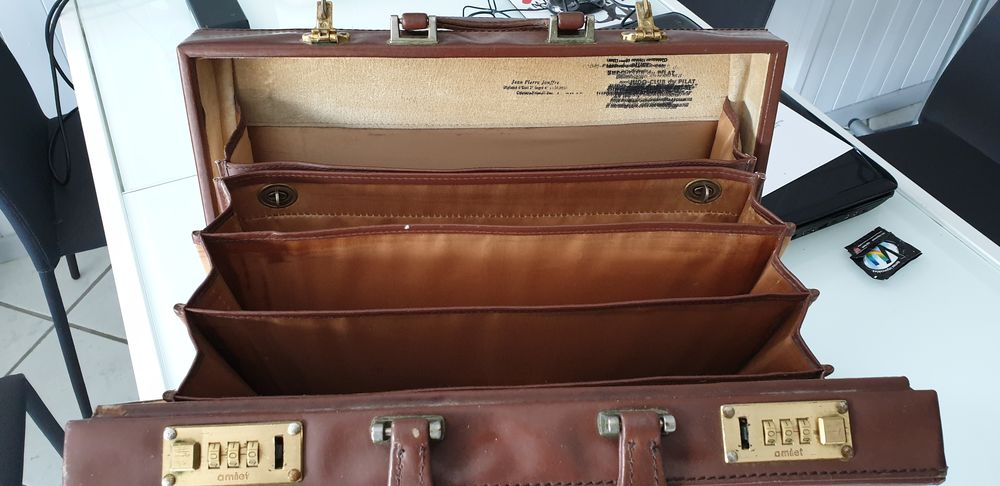 Attaché Case 20 Saint-Chamond (42)