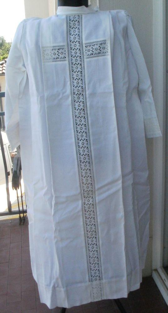 Aube liturgique blanche ou vêtement ecclésiastique Vêtements