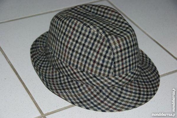 Authentique chapeau en feutre «CRAMBES»,COMME NEUF 33 La Farlède (83)