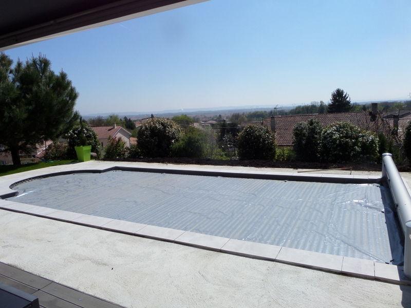 Achetez bache ecran occasion annonce vente bourg saint christophe 01 wb1 - Volet piscine desjoyaux ...