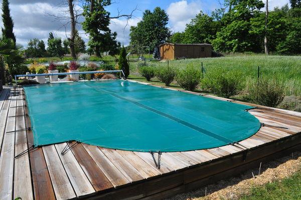 B ches occasion en charente maritime 17 annonces achat for Bache piscine avec enrouleur