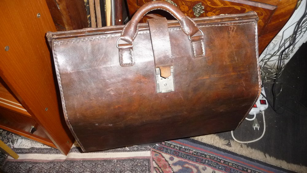 bagage cuir 1900 160 Trappes (78)