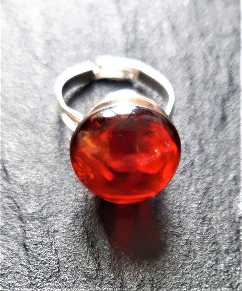 bague acier avec une boule en verre rouge transparente 4 La Seyne-sur-Mer (83)