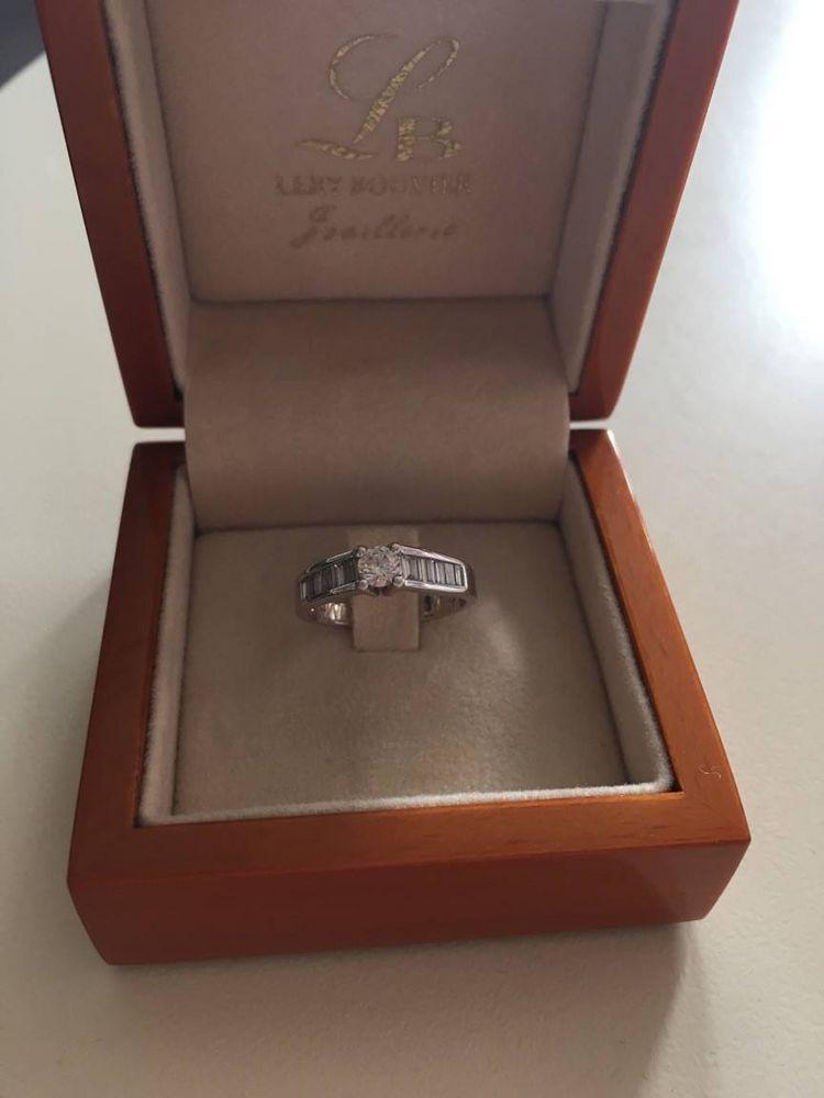 Bague fiançailles or blanc + diamants princesse 1100 Maxeville Champleboeuf (54)