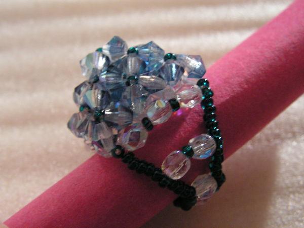 bague pyramide en perle de cristal faite main 22 Auxonne (21)