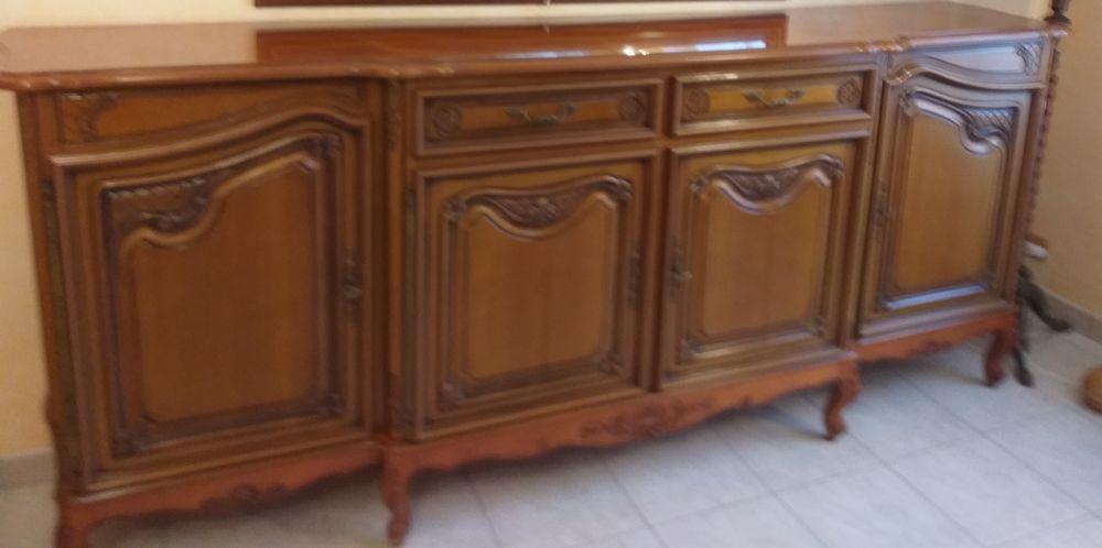 un bahut et une table de salle à manger 500 Ury (77)