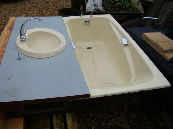 baignoire et vasque 100 Beaufort-en-Vallée (49)
