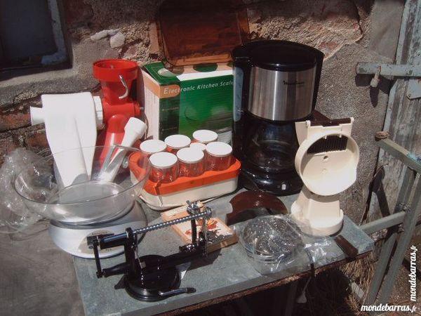 balance + cafetiere + yaourtière etc faire prix 1 Saran (45)