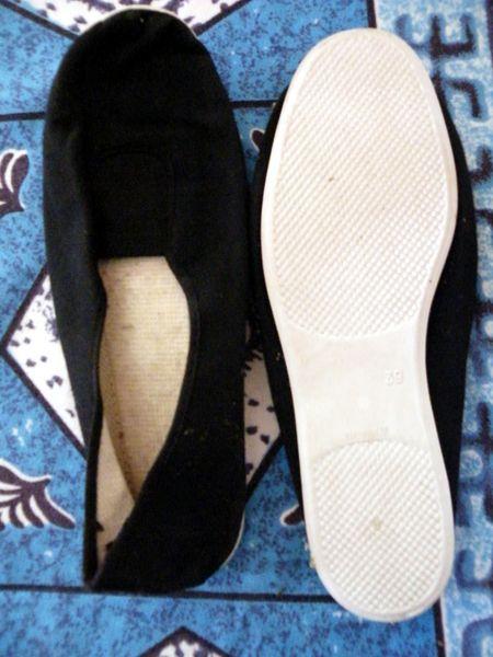 ballerine noire semelle blanche taille 39  3 Viriat (01)