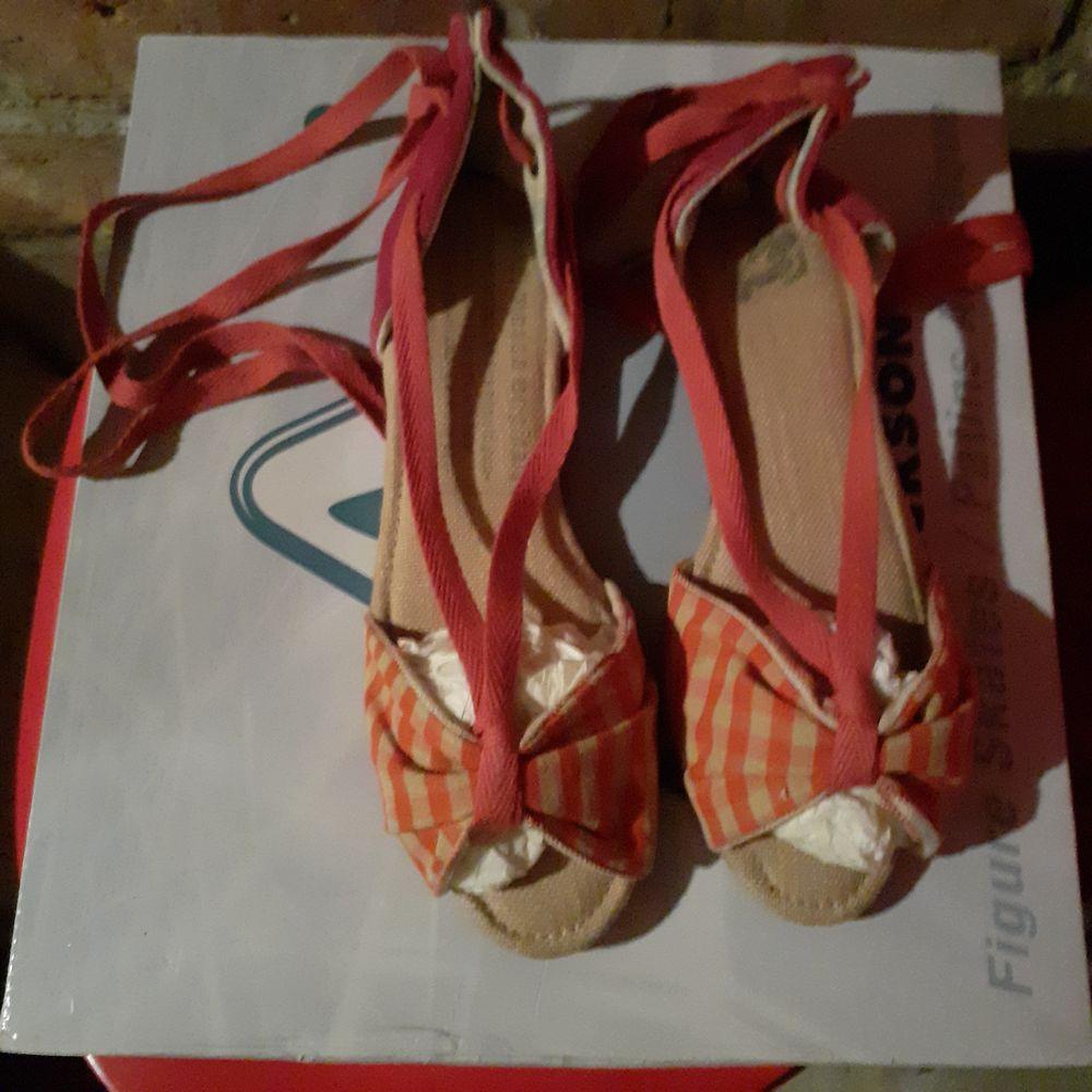 ballerines neuves 36 textile vichy rose et blanc avec lacets 35 Courbevoie (92)