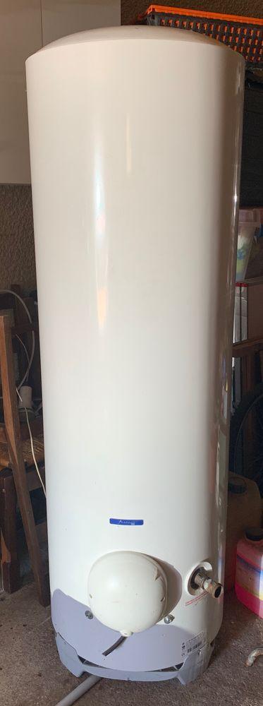 Ballon eau chaude 300L 4 ans Bricolage