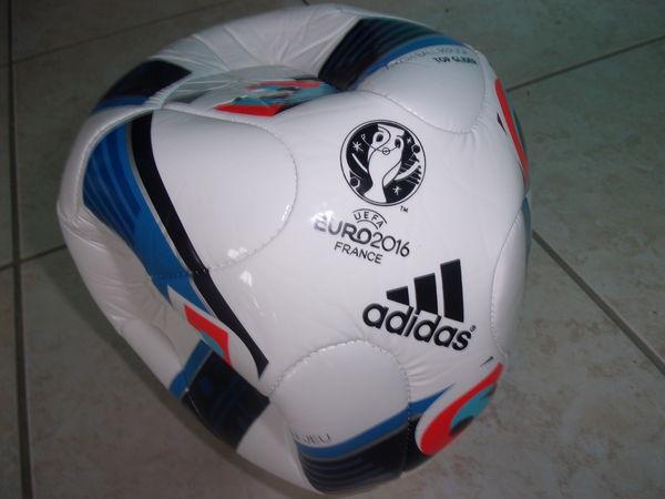 Ballon officiel de l'UEFA EURO 2016 Taille 5 (Neuf) 20 Ardoix (07)
