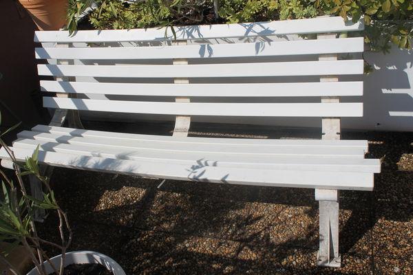 jardins occasion dans le vaucluse 84 annonces achat et vente de jardins paruvendu. Black Bedroom Furniture Sets. Home Design Ideas