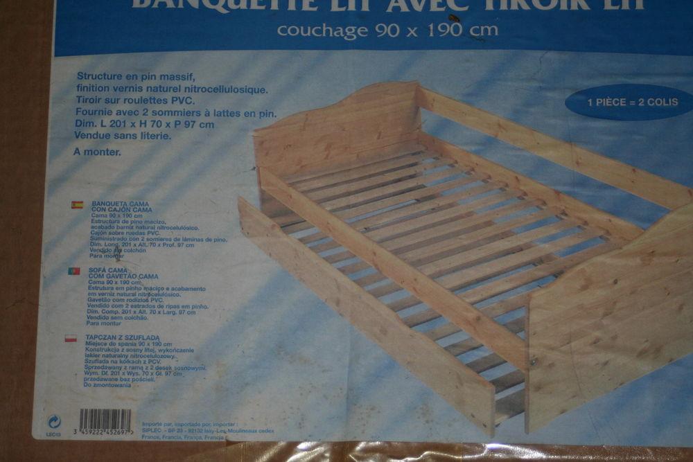 banquette-lit avec tiroir lit et 2 matelas le tout neuf 140 Montclus (05)