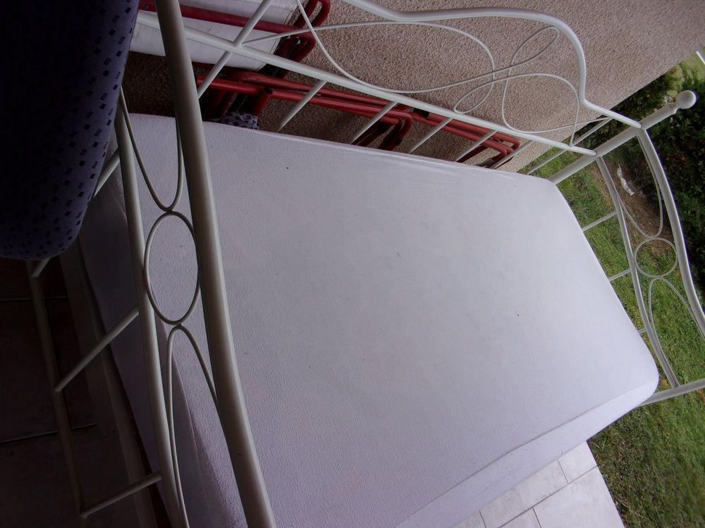 lit  banquette fer blanc sommier renforcé (une place : 90 ) 80 Annonay (07)