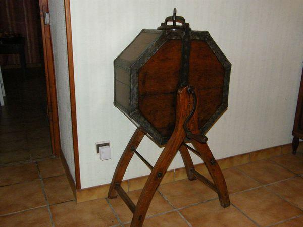 Baratte ancienne 150 Sainte-Soline (79)