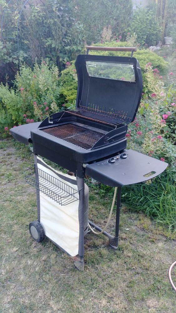 Barbecue Campingaz, GAZ 2 brûleur, d'occasion, Antony 92160 Jardin