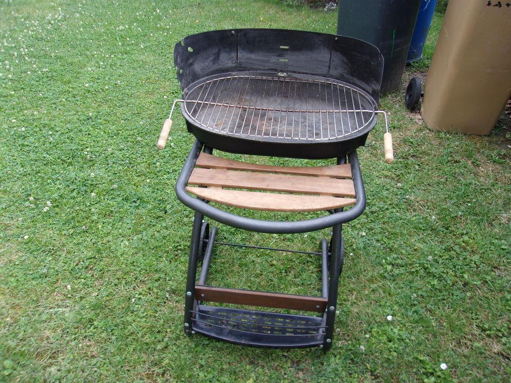 Barbecue à charbon 25 Saint-Maurice-Montcouronne (91)