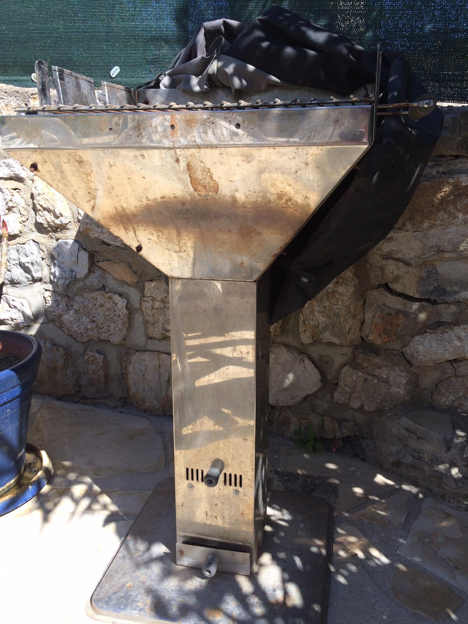 barbecue 25 Toulon (83)