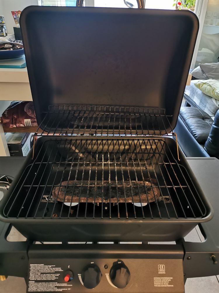 Barbecue  55 Toulon (83)