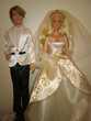 Barbie et Ken en vêtements de mariage. État neuf Jeux / jouets
