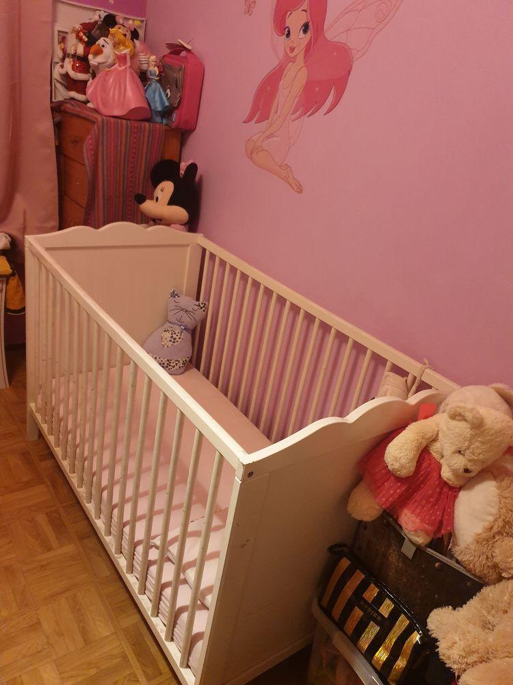 Le lit à barreaux pour bébé 40 Paris 18 (75)