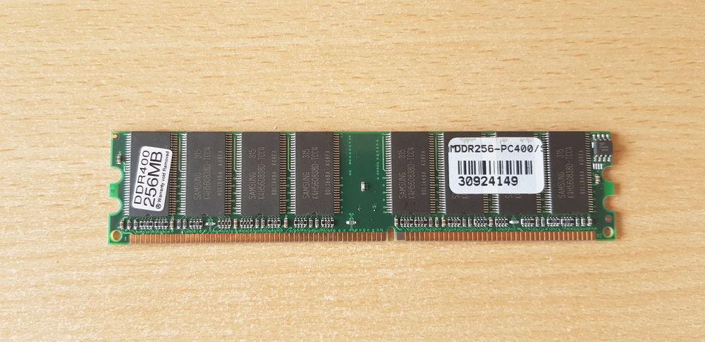 Barrette Mémoire memoire ram pqi DDR400 256Mo / 256Mb PC400  8 Carnon Plage (34)