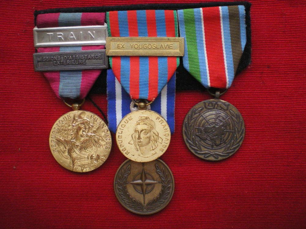 Barrette de quatre médailles Défense Nationale ONU OTAN etc. 95 Caen (14)