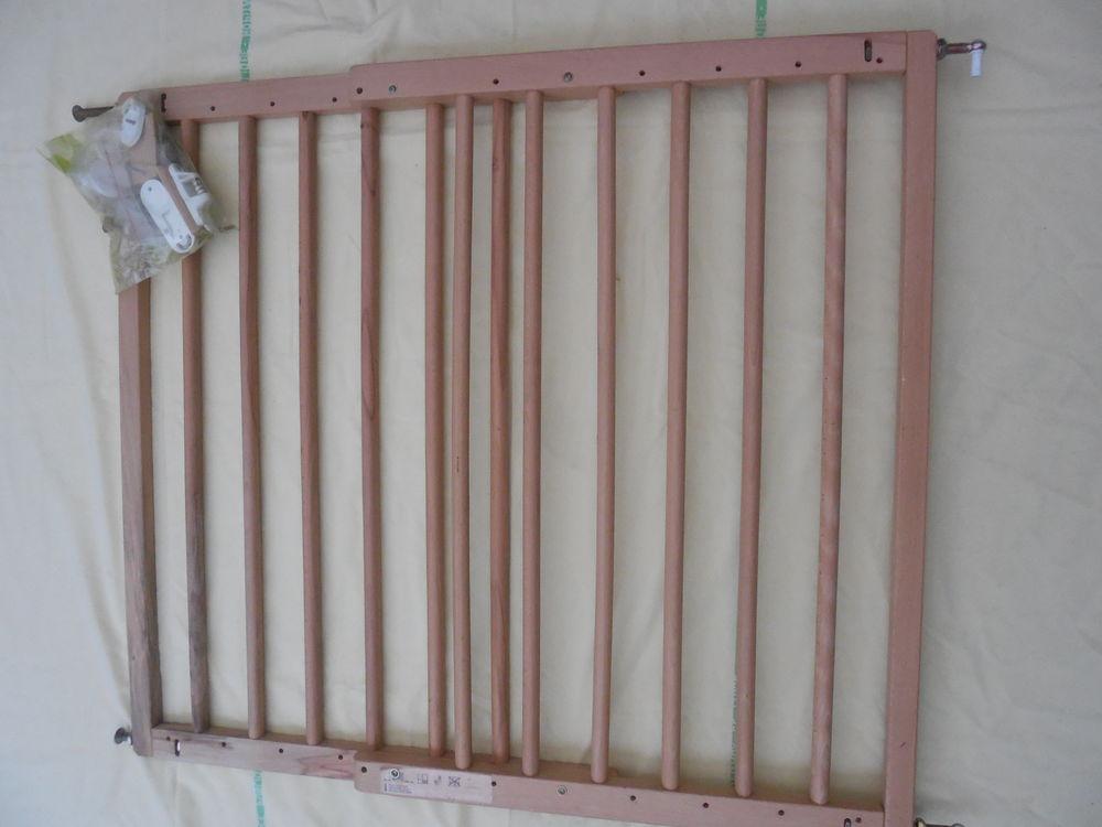 Barrière de sécurité bois juqsqu'à 110 cm Puériculture