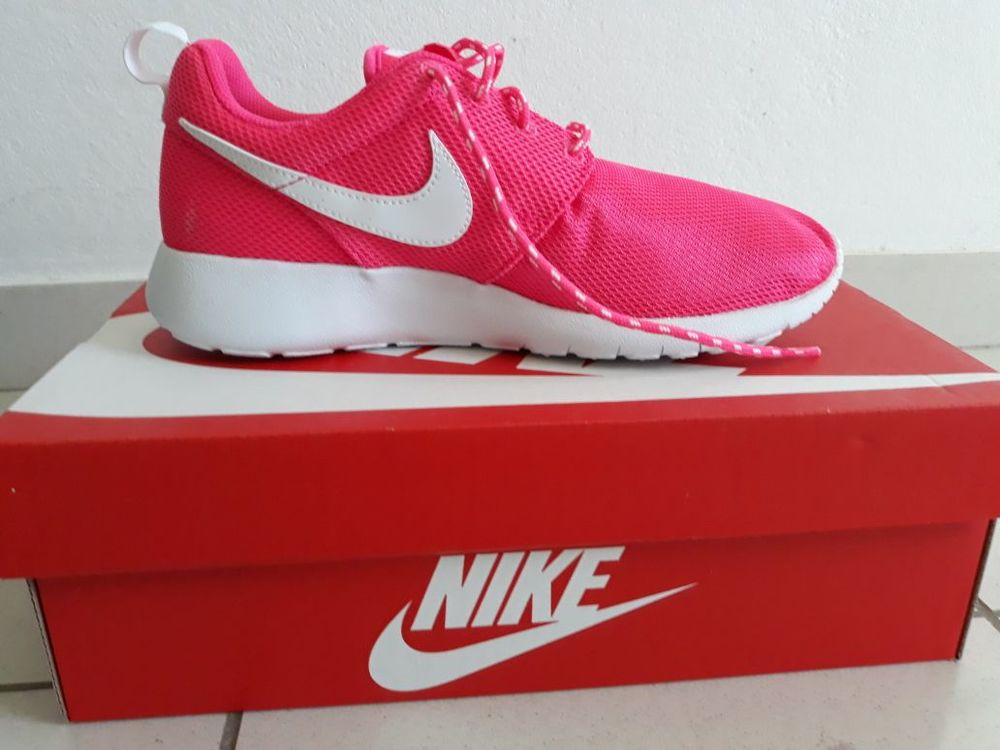 Basket Femme Rose - Nike Rosh Run, Pointure : 38,5