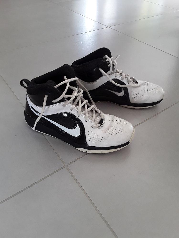 site réputé 2e533 a3396 Basket fille Nike p 39