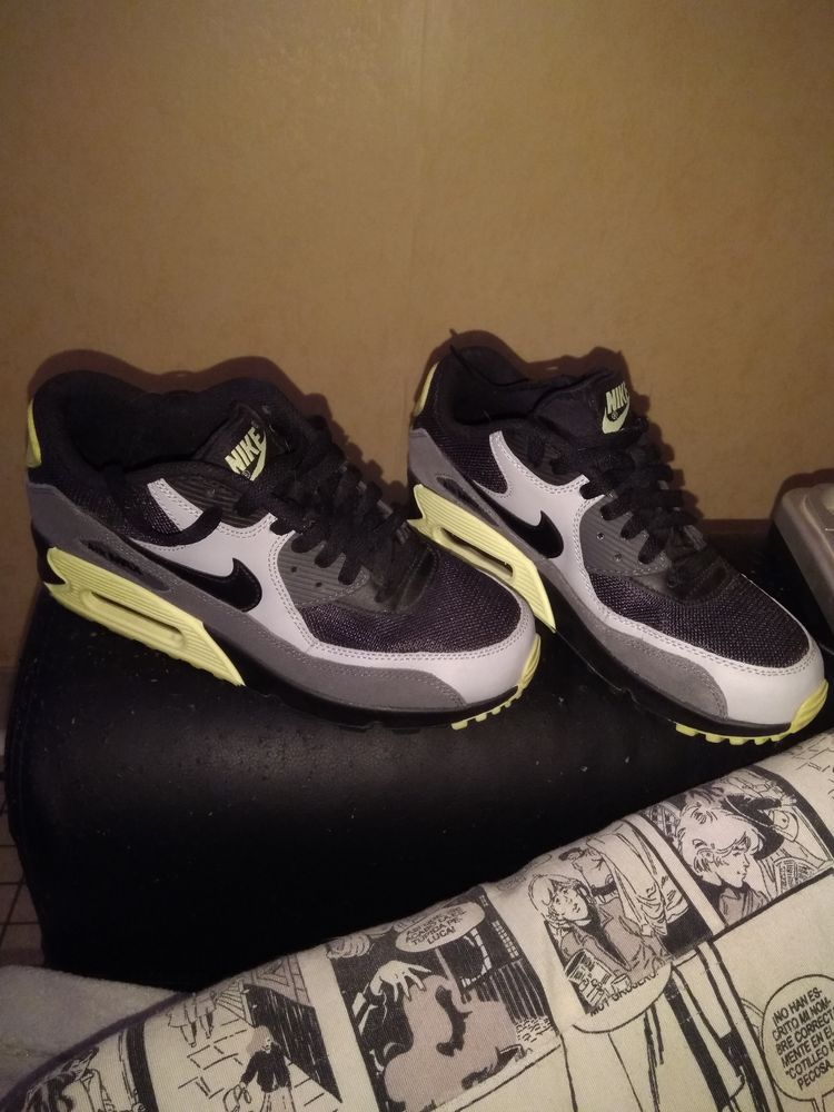 Basket Nike air Max taille 39