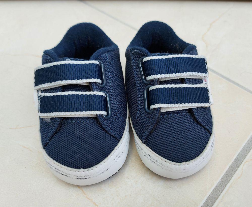 Basket Reebok taille 17 Très Bon Etat Chaussures enfants